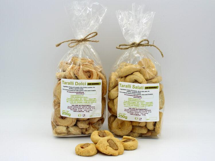 Taralli con mandorle - Dolci e Salati - Oleificio Cipa Agricola